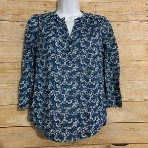 H&M 3/4 sleeve floral top XS v neck high low
